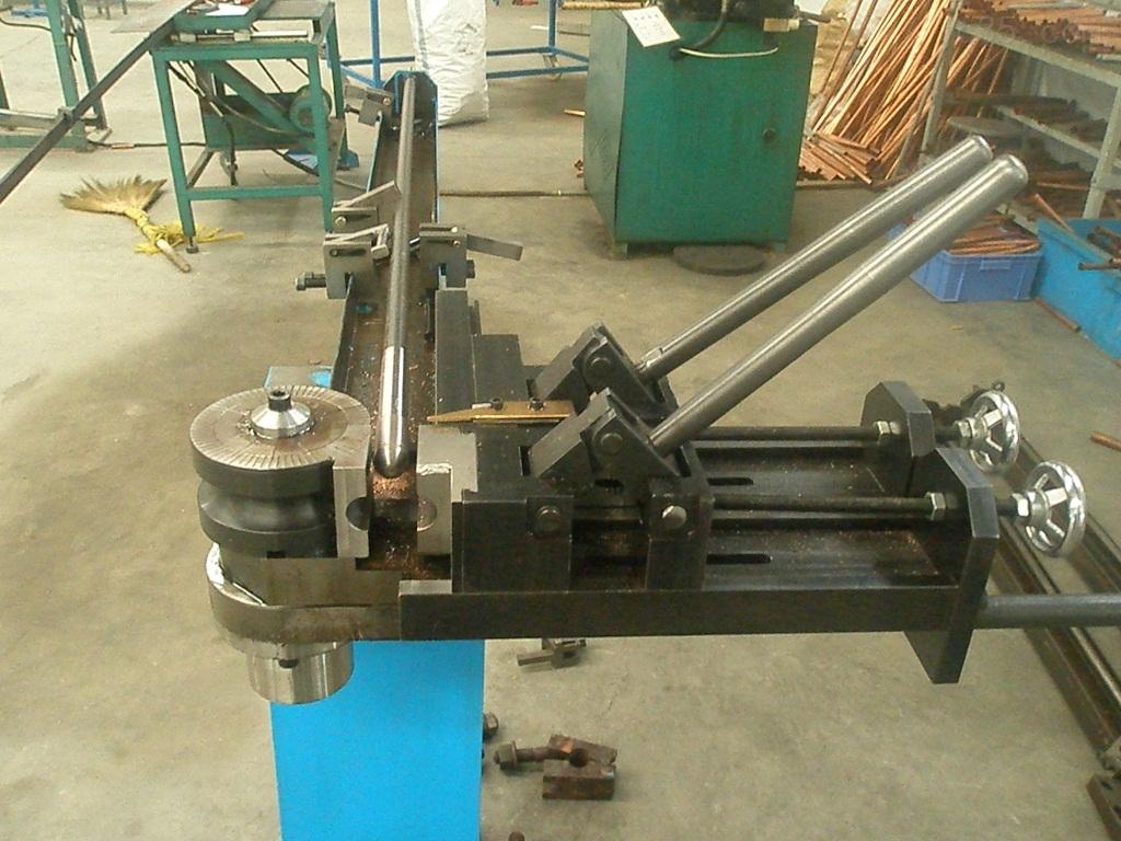 供应山东单头弯管机液压弯管机山东弯管机图片
