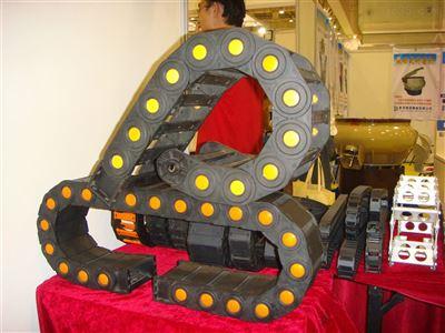石材机械电缆穿线尼龙拖链供应
