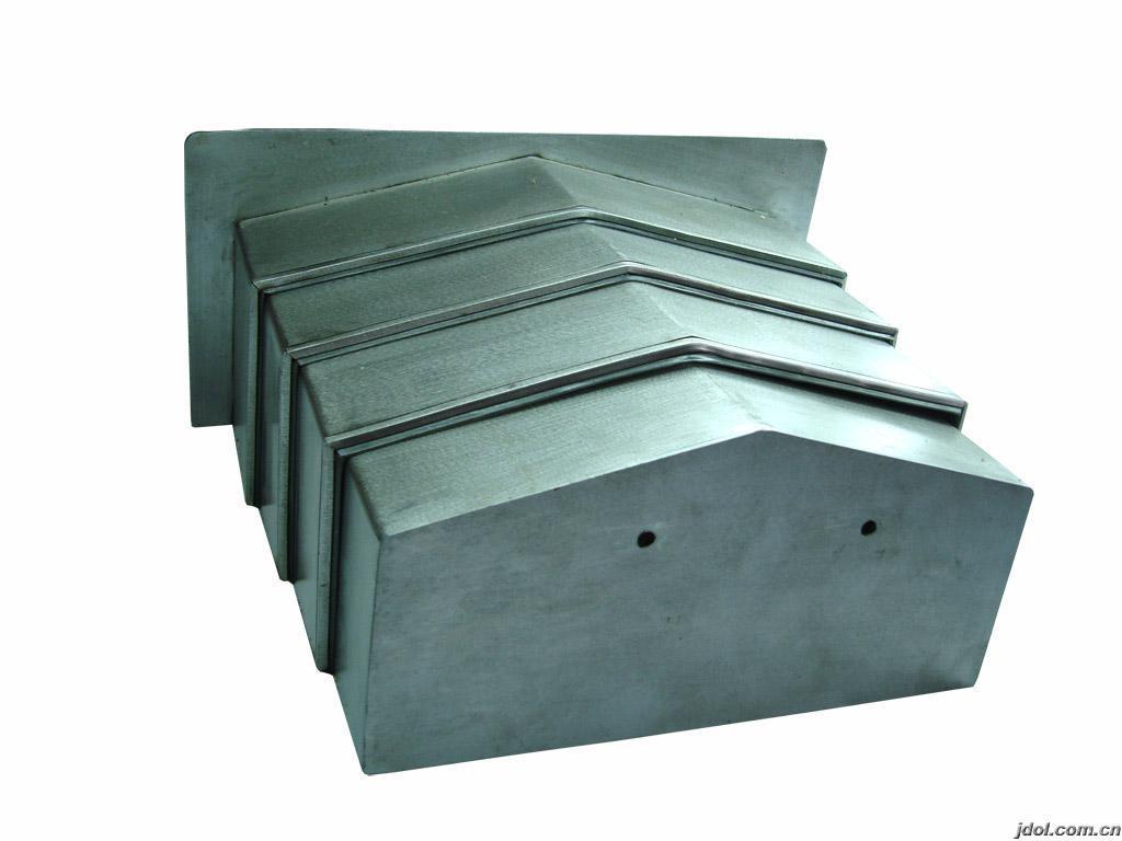 定做钢板防尘罩厂家产品图