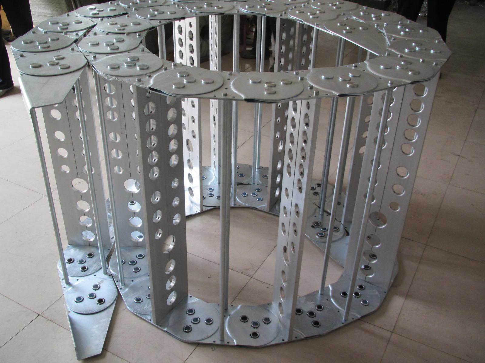 带孔式钢铝拖链产品图