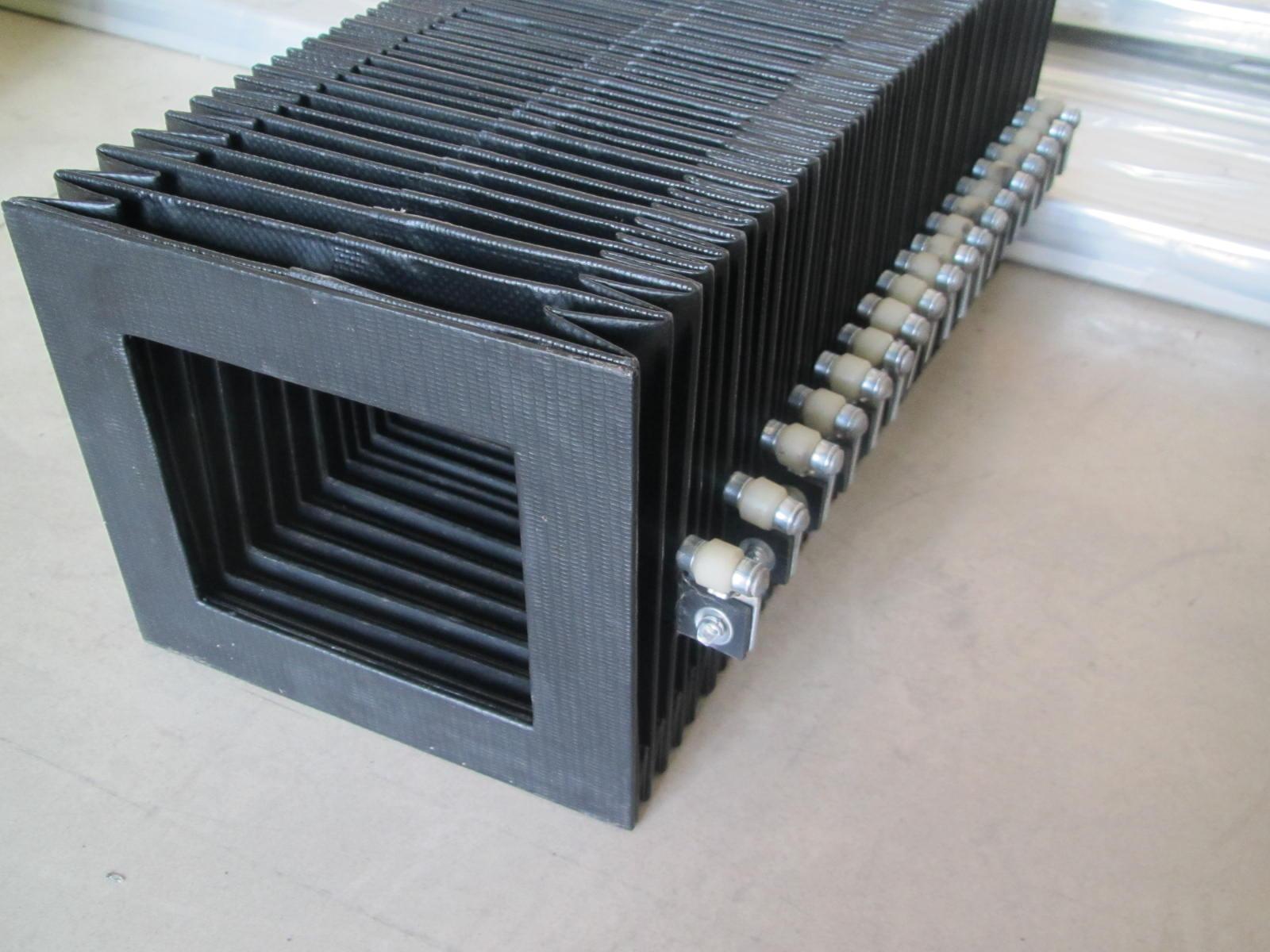 方形风琴防护罩产品图