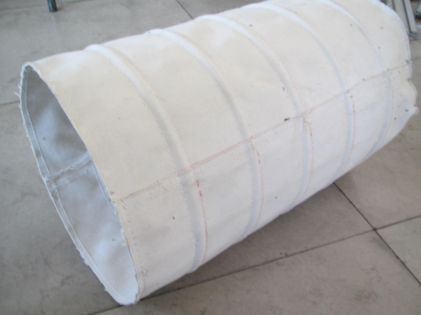 水泥厂帆布输送布袋产品图